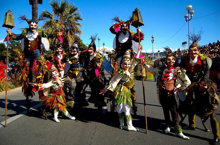 carnaval échassier